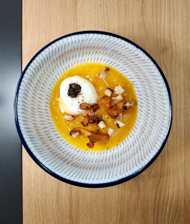 Crema di zucca con uovo cotto a bassa temperatura