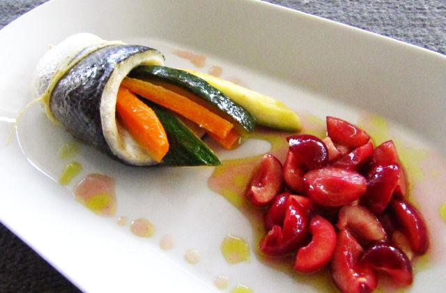 Filetto di branzino cotto a bassa temperatura con ciliegie marinate