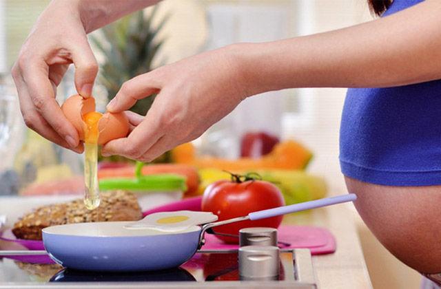Gravidanza e allattamento: cosa mangiare?